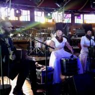 Dakha Brakha aus der Ukraine machen optisch was her, sind aber musikalisch nicht mein Fall