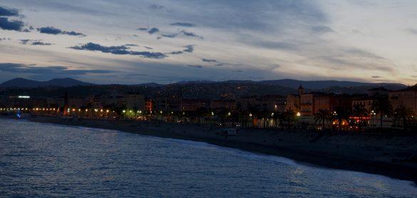 Abendspaziergang auf der Strandpromenade