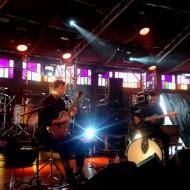 Buke and Gase - Beeindruckend, wie zwei Menschen plötzlich leuchten, wenn sie auf der Bühne sitzen und das machen, was sie lieben.