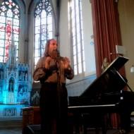 Kein ganz einfacher Einstieg ins Festivalgeschehen war das meditative Klavierspiel von Lubomyr Melnyk. »Sound is the foundation of our world« erklärte der 64jährige.